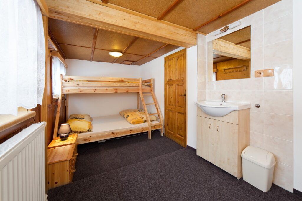 Pokoj 4 se 3 lůžky a přistýlkou